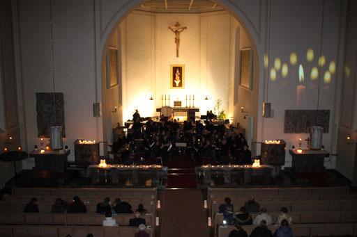 Musik bei Kerzenschein - Benefizkonzert in der Kirche