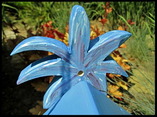 Detail Nestkastje in vorm van Vogel blauw, parkiet , start