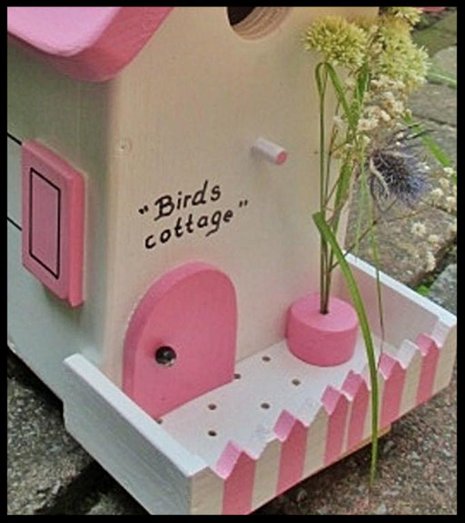 Nestkastje Cottage,detail,vogelhuisjes en nestkastjes met toevoegingen