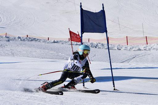 SV DJK Heufeld Skiteam Vereinsmeisterschaft 2019 jugendlicher Rennläufer in Action.