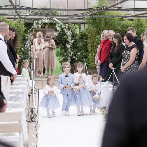 Professioneller Hochzeitsfotograf und Videograf in Bielefeld für Hochzeitsaufnahmen