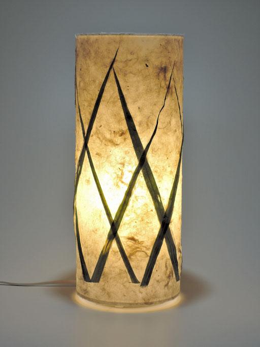 Tonnenlampe Abaka mit Zebragras