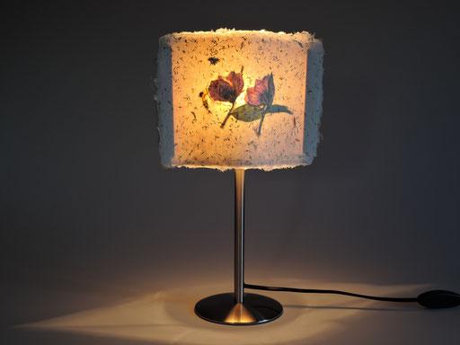 Auriolenlampe Weidenkätzchen mit Christrose