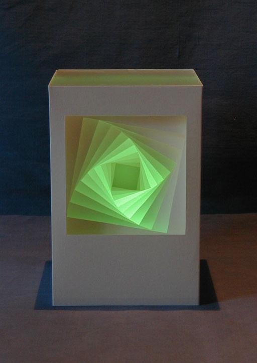 """""""Dreh Q"""" 10x10x15 cm mit LED-Licht"""