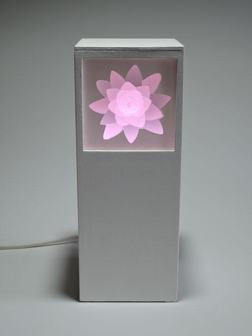Seerose mit LED-Licht