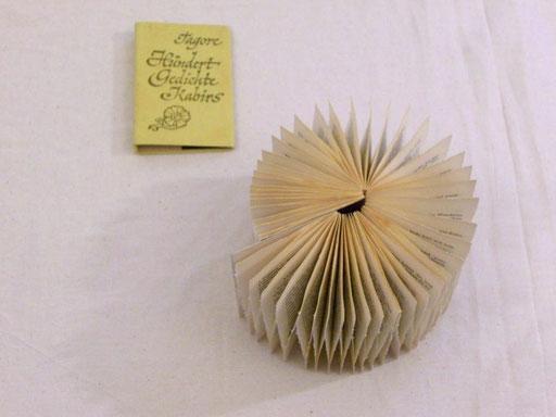 Tagore / PAPIER-art ART-papier, Buchobjekt, Papierarbeit, Kunstobjekt, Harald Metzler, Mattsee, Österreich