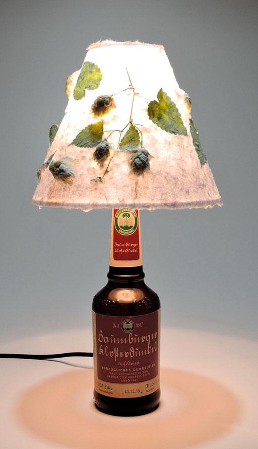 Baumburgflasche Schirm Abaka mit Hopfen
