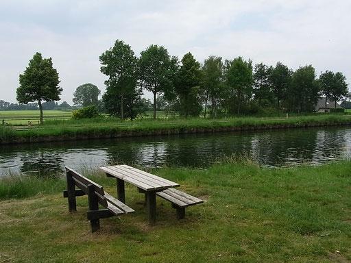 Schöne Pausengelegenheit am Kanal zwischen Nederweert & Helmond