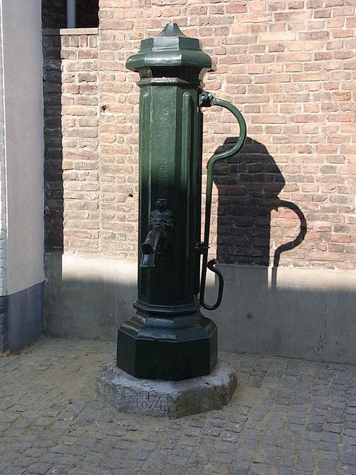 Alte Wasserpumpe in Wessem