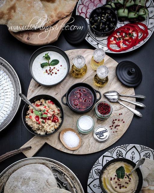 Orientalisches Soulfood Rezepte für Hummus, Couscous Salat, Minz Joghurt Dip, Orientalische Hackbällchen