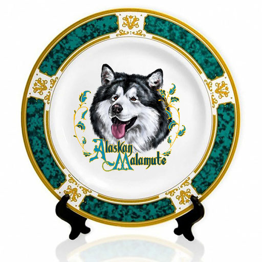 Сувенирная тарелка с изображением маламута.