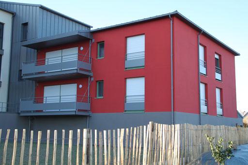 Garde-corps fenêtres acier galvanisé et sous bassement tôle aluminium thermolaqué