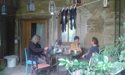 Besuch bei Gérald, dem Imker und Georg, seinem Partner