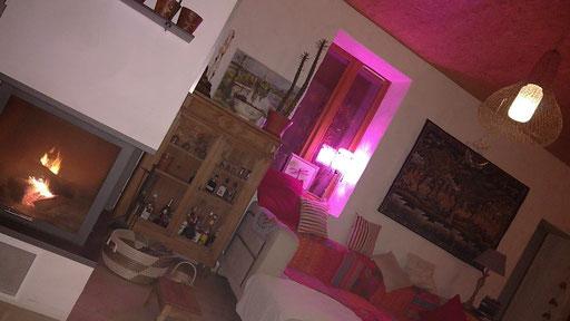 Neue Hängelampe aus Eisen gestrickt - Lichtspektakel dank Hue-Lampen
