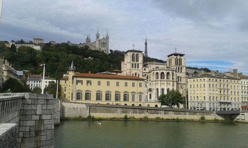 Ausflug nach Lyon - im Hintergrund die Basilika