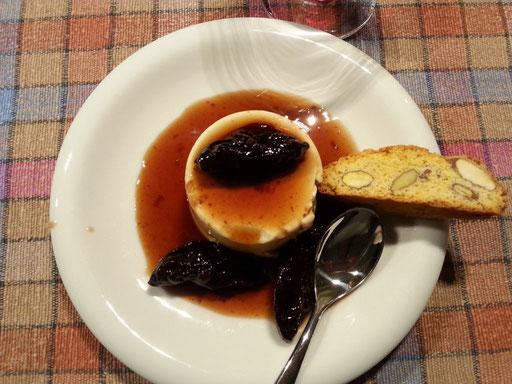 mit leckerem Dessert ...