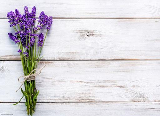 """Lavendelstrauß auf Holz"" SKU: 19_64_110"
