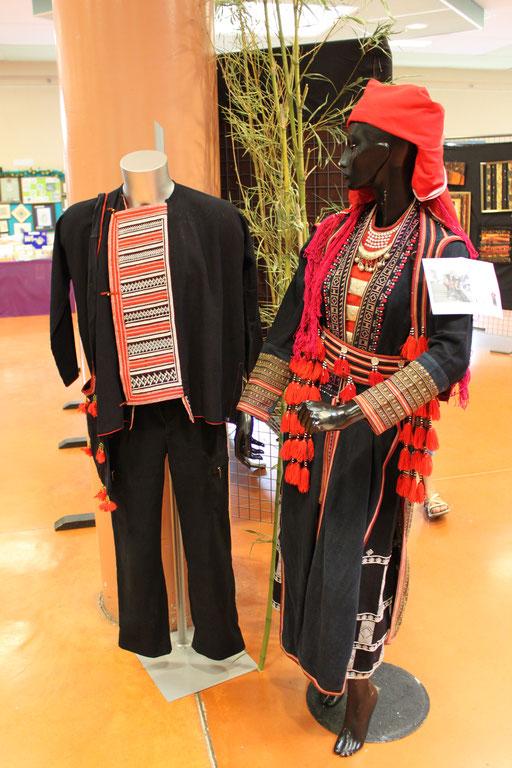 Fête du Fil Labastide Rouairoux (tarn-81270) FRANCE, exposition costumes traditionnels Chinois