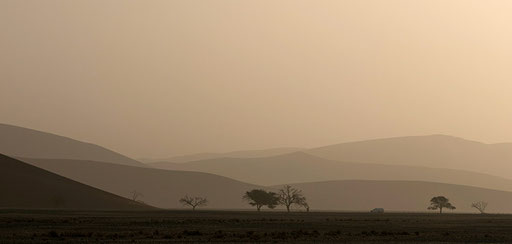 Tempête de sable sur Sossusvlei (Namibie)