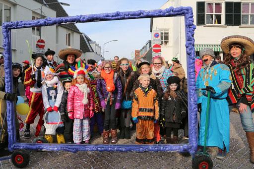 Foto's van bsafoto uit Oosterhout NB - Carnavalszondag  Foto's van Carnaval uit Oosterhout NB - OPTOCHT KAAIENDONK