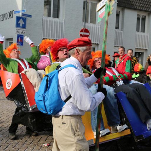 Carnaval Oosterhout . Grote optocht. Carnaval . Oosterhout . zondag . Grote optocht . Uw foto's kunnen ook bestellen