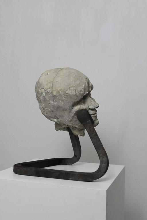 Christian Feig, Gelangweilt, aus der Serie: Die 9 Emotionalen, 2014, Beton & Stahl, 39 x 26 x 35 cm