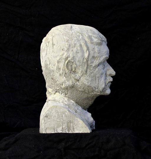 Christian Feig, Tarkowski, 2014, aus der Serie: Movie Masters (Meister des Films), Beton, 38 x 22 x 27 cm