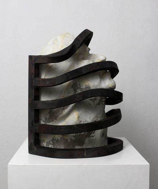 Christian Feig, Sehnsucht No. 2, 2014, Beton & Stahl, 42 x 31 x 31 cm