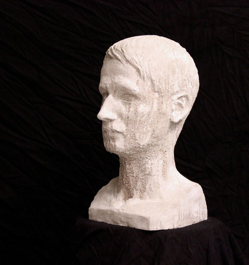 Christian Feig, Ich, 2013, Beton, 41 x 23 x 25 cm