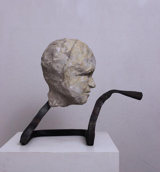 Christian Feig, Befehlend, aus der Serie: Die 9 Emotionalen, 2014, Beton & Stahl, 40 x 26 x 46 cm