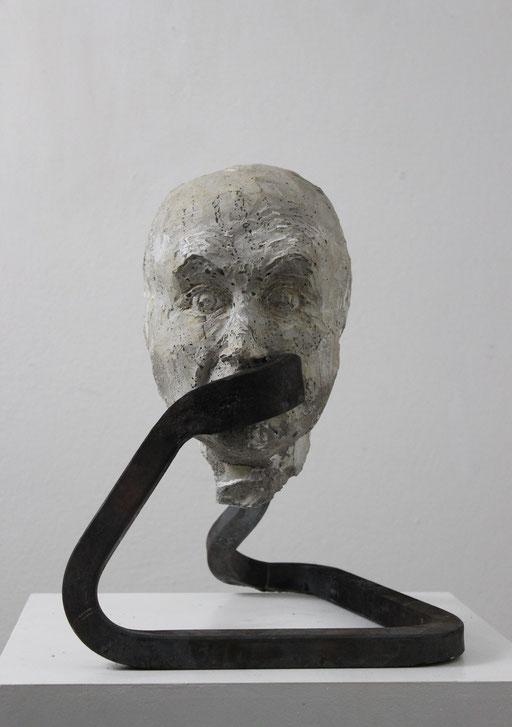 Christian Feig, Fürchtend, aus der Serie: Die 9 Emotionalen, 2014, Beton & Stahl, 40 x 31 x 37 cm