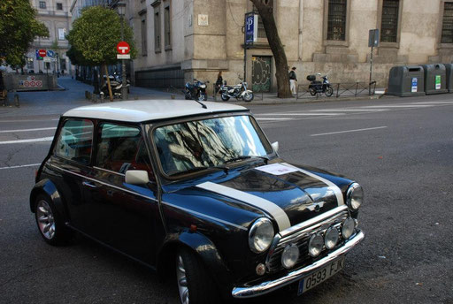 Mini cooper turismo por Madrid