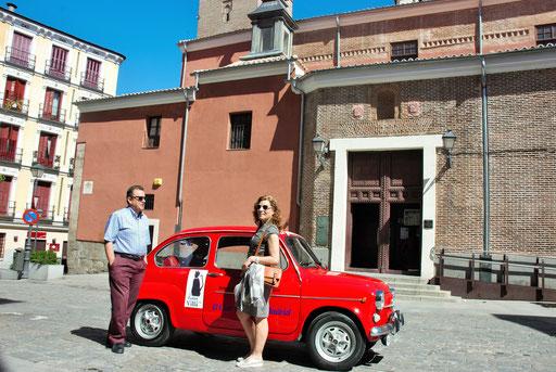 Turismo por Madrid en coche clasico