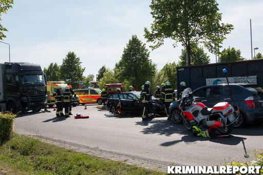 Eine Motorradstreife war grad in der Nähe als der Unfall passierte.|Foto: Christopher Sebastian Harms