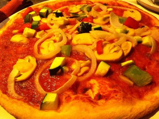 Pizza Vegetaria, der Klassiker, auch ohne Käse echt lecker