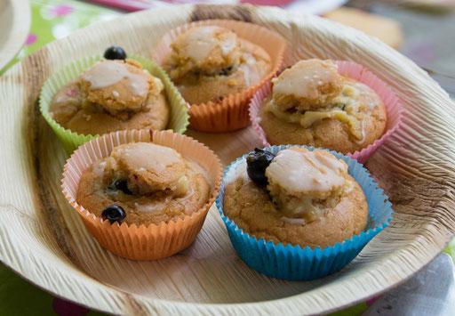 Glutenfreie Vanille-Cupcakes mit cremiger Fruchtfüllung