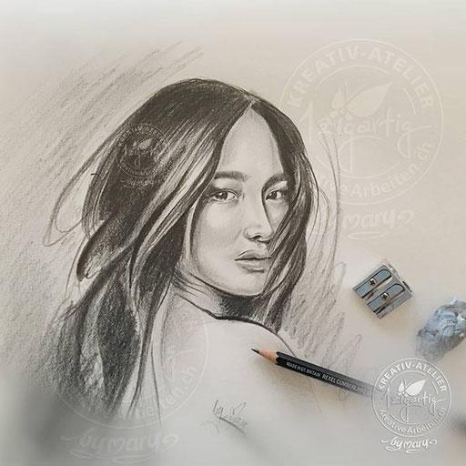 Portrait von Asiatin, Bleistiftzeichnung, www.kreativearbeiten.ch