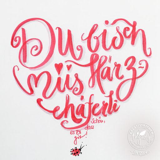 Handlettering in Herzform, www.kreativearbeiten.ch