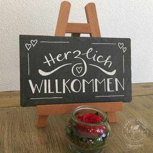 Handlettering Herzlich WILLKOMMEN auf Schiefertafel, www.kreativearbeiten.ch