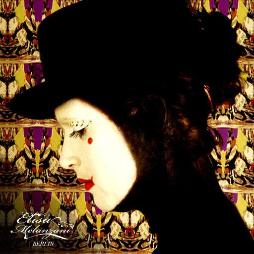 Design -butterfly art deco- Kollektion: TREASURY olivine - Vliestapete © ELISA MELANZANI BERLIN