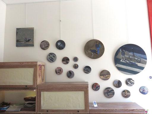 Exposition Mehrzad Najand - peinture  acrylique sur toile ronde - diamètre 10, 15, 20, 40, 60cm -