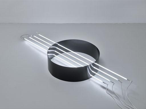 o.T. (I 10-2019), Steel powder coated, Ø 65cm, neon systems, neon 160cm