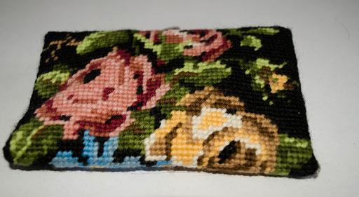 #213 Rückseite     Rosen auf schwarz     48,-€