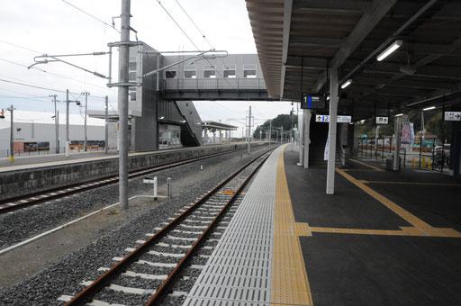 富岡駅のホーム。駅舎は南に移動しましたが、ホームは被災前と同じです。