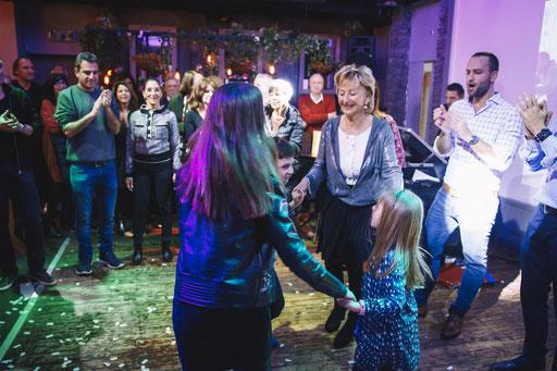 ריקודים ביום הולדת
