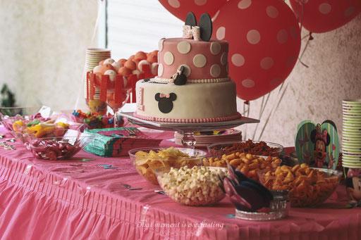 שולחן מתוקים - יום הולדת שנה