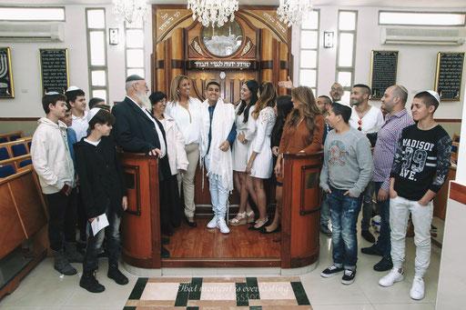 כל המשפחה לאחר הטקס