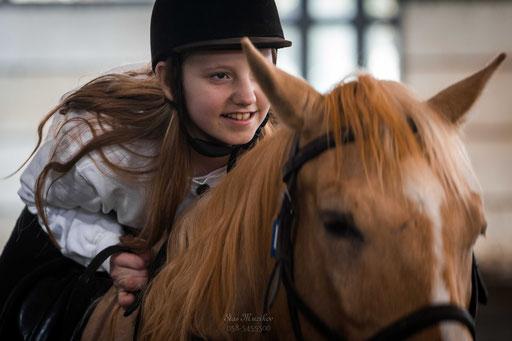 דוהרת למטרה - בוק עם סוסים