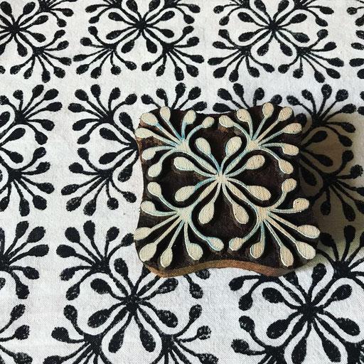 Stoffe bedrucken mit indischen Holzstempel