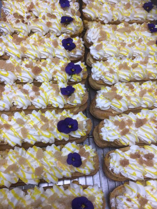 Eclairs Violette - mangue de la boulangerie pâtisserie PREISLER à Courcelles-Chaussy
